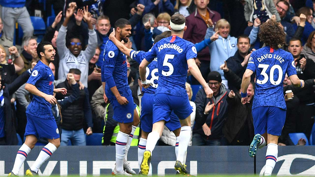 Chelsea up to third as jeers turn to cheers