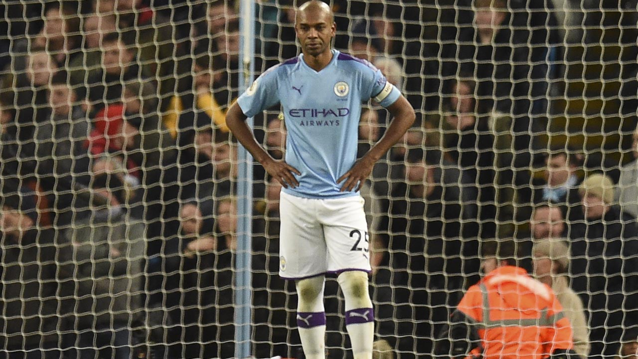 Fernandinho own-goal costs City more points